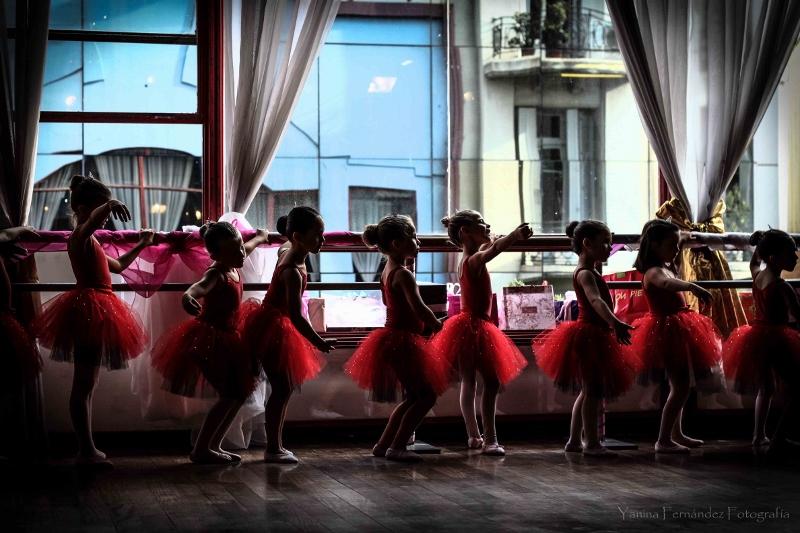 """El estudio que hoy Marisa dirige fue el """"Taj Mahal"""" de Olga Ferri. Allí no sólo se formaron estrellas de índole mundial, sino que además van cientos de alumnas a aprender y divertirse. """"La danza es sanadora"""", dice Marisa. Foto: Yanina Fernández."""
