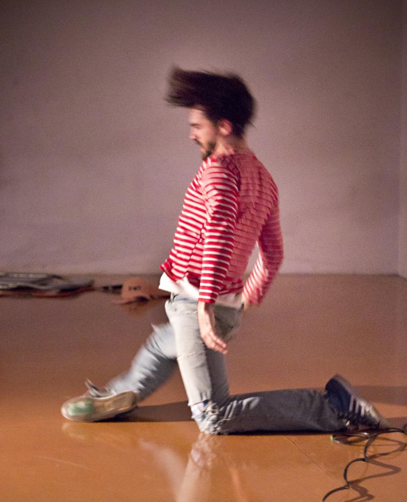 """""""Basura"""", de Rakhal Herrero, un espacio de reflexión sobre la reutilización. Foto: Hernán Paulos"""