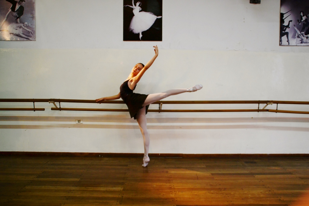 Elegancia en las líneas y suavidad en los movimientos. Son algunas de las bellas características de Lucía. Foto: REVOL.