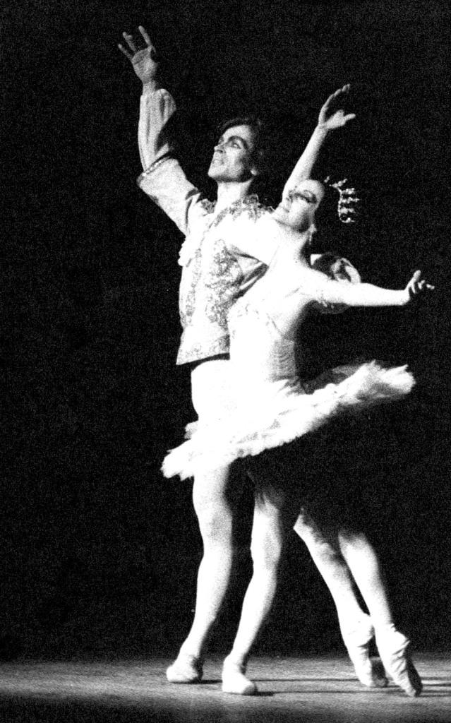 """Olga Ferri y Rudolf Nureyev, en """"El Cascanueces"""" en 1971. Foto: Arnaldo Colombaroli."""