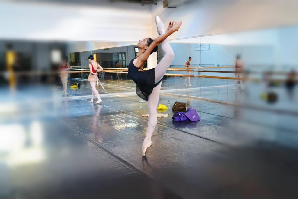 Dueña de una flexibilidad fuera de serie, Rocío aspira a lograr una beca para estudiar en el exterior. Foto: REVOL.