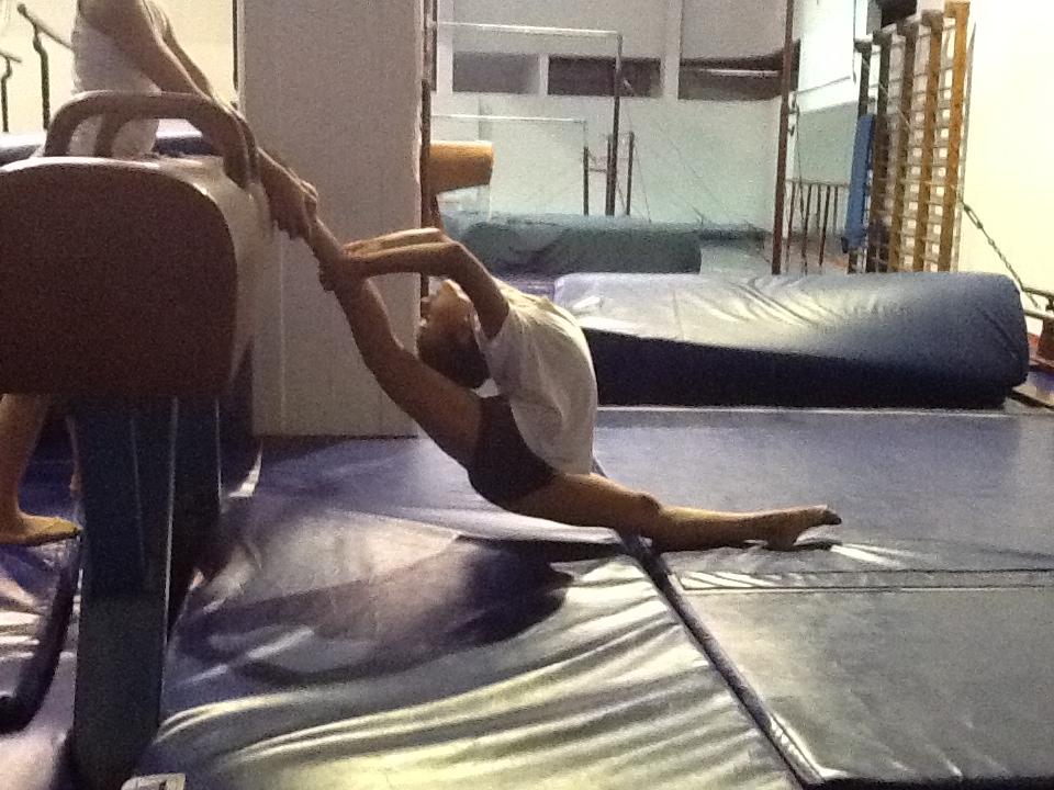 Para Olga Aidarkina, especialista en elongación y otrora gimnasta, recomienda elongar gemelos habitualmente. Foto: Gentileza Olga Aidarkina.