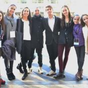 Jazmín Gude Alonso, Rocío Agüero, Amparo Vázquez, Daiana Alvarez, Luciano Perotto, Lucía Giménez, Paloma Ramírez y Victoria Papa, una comitiva de lujo. Foto: REVOL.