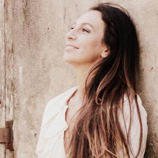Analía González, directora de la C.E.M: Rayuela es la primer obra de esta compañía, al tiempo que es su primer trabajo inspirado en experiencias de vida personales. Foto: Garage Fotografía.