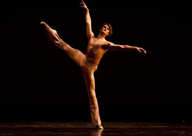 Aaron Robison es hoy solista en Houston. Bailó junto a Angel Corella y el Birmingham Royal Ballet. Foto: Gentileza Grupo ARS.