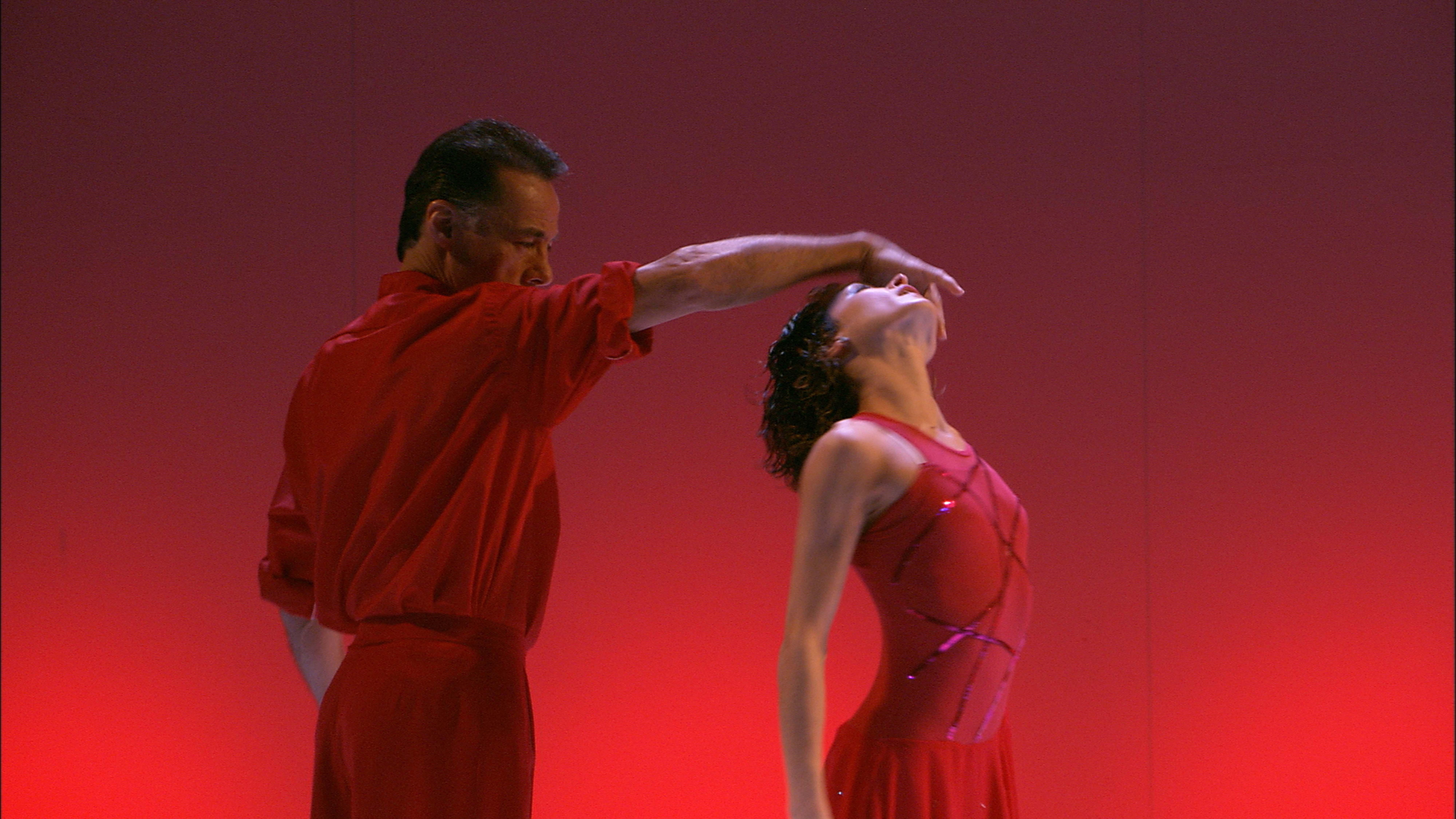 """Lentejuelas"" (2002), por Tangokinesis. Foto: Diana Frey."