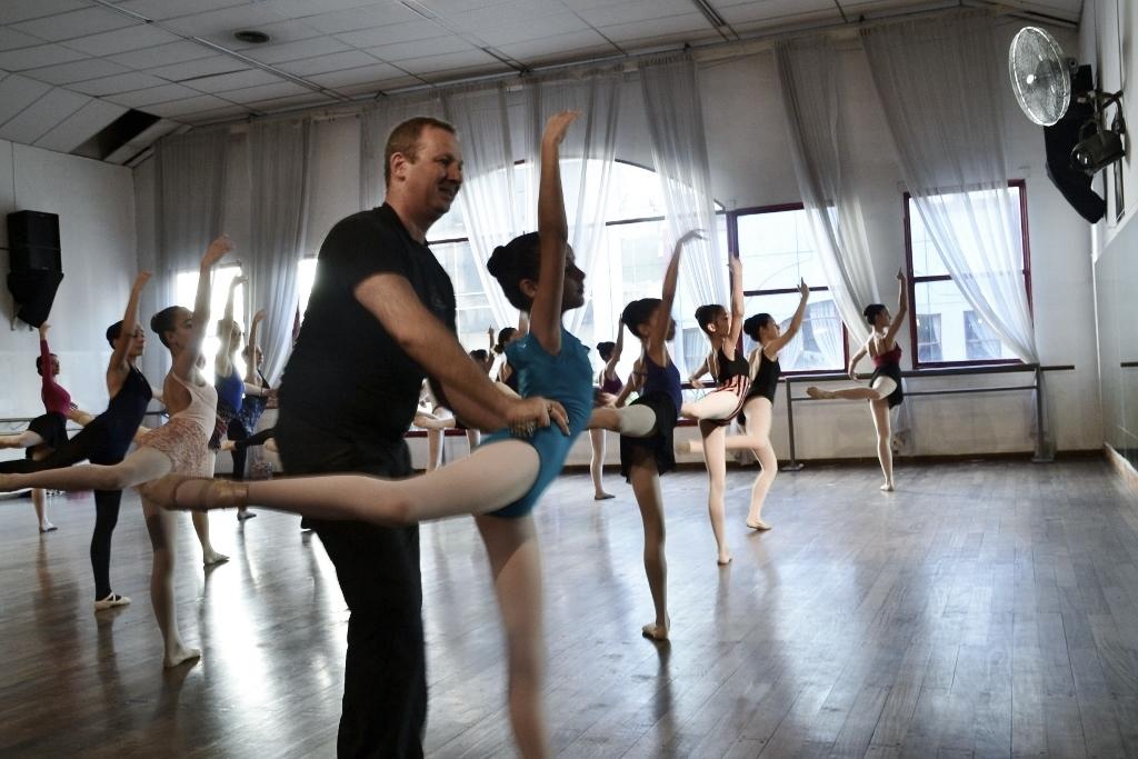 Mischa Tchoupakov Ballet Estudio (12)