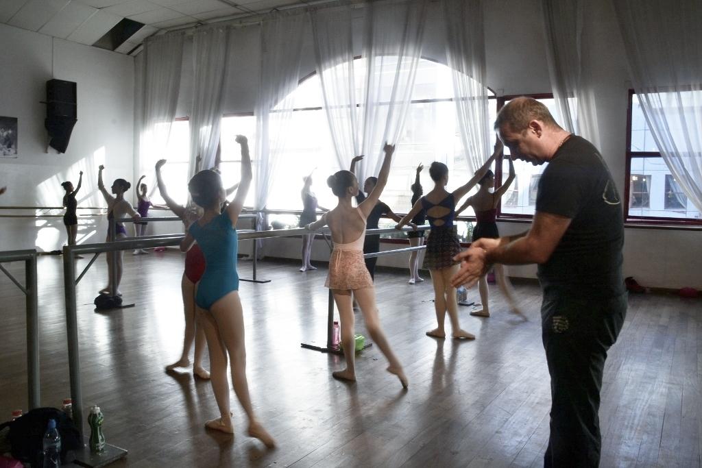 Mischa Tchoupakov Ballet Estudio (3)