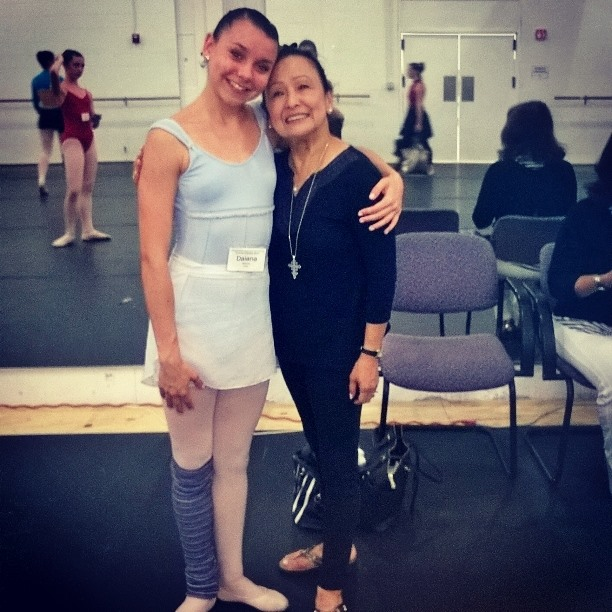 Daiana, en clase, con una de sus maestras en Orlando. Foto: Gentileza Daiana Alvarez.