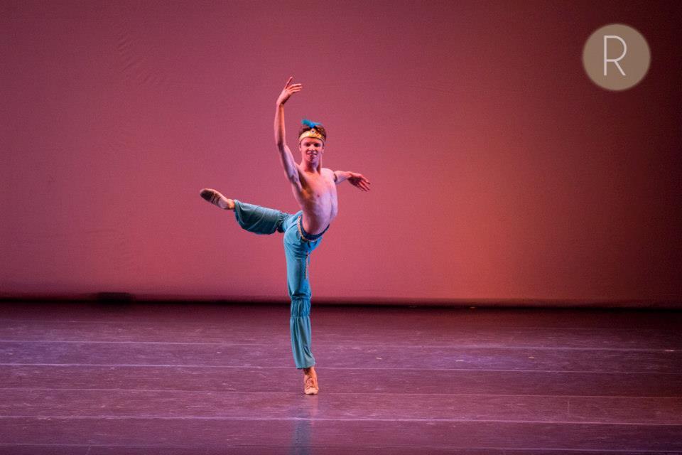 """En """"El Corsario"""", como parte de la IV Gala de Ballet de Buenos Aires, en agosto de 2014. Foto: Agustín Mangialavori. REVOL."""