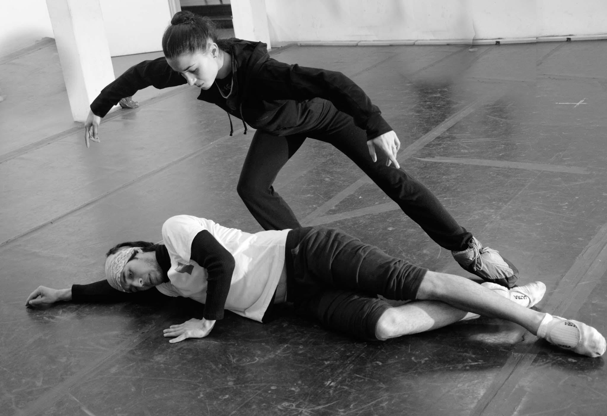 """Gerardo Wyss ensaya con  su """"Giselle"""", Gabriela Noia. Foto: Gentileza Ballet del Sur."""