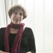 Andrea Chinetti indica que la proyección escénica debe ser trabajada en clase para desarrollarla en los jóvenes. Foto: REVOL.