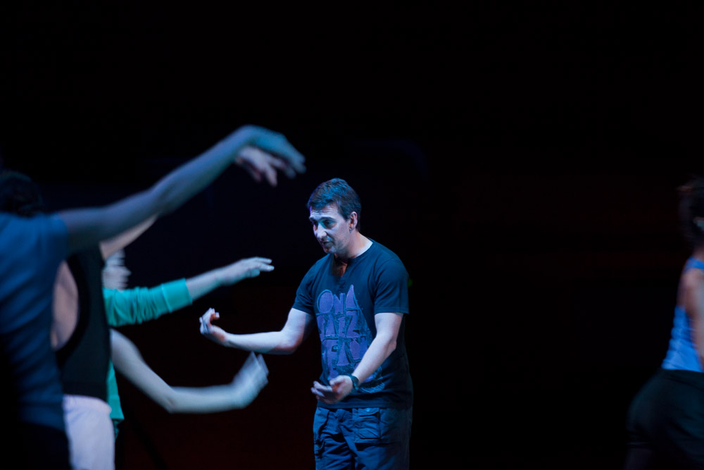 Julio Bocca, trabajando junto al Ballet Nacional de Uruguay. Foto: Gentileza Tarkio Films.