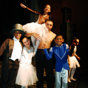 En función, los bailarines de Festival Art. Foto: Gentileza.
