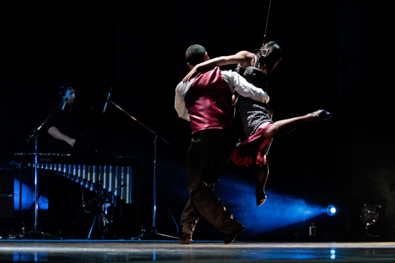 """Ocho tango aéreo"", de Brenda Angiel. Foto:  Nicolás Foong."