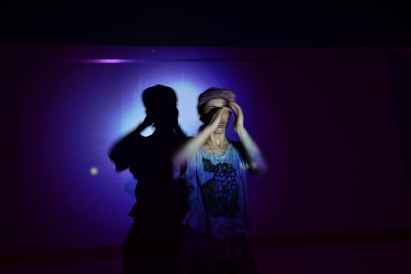 Javiera Sáez, en el ensayo de Speak 4.1. Foto: Revol.