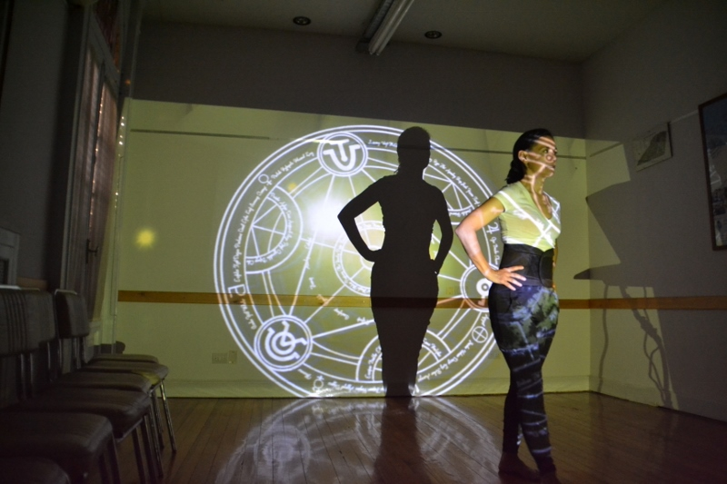 """Alejandra Ceriani, en el ensayo de """"Speak 4.1"""". Foto: Revol."""