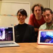 """Colectivo """"A.MO.VER"""", Melina Masnatta, Maximiliano Wille y Adrián Salinas. En las pantallas, Araceli Márquez y Demián Basualdo. Foto: Revol."""