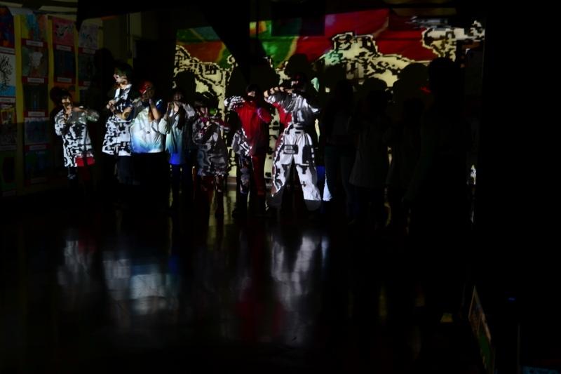 Bailando con los chicos en el Magnasco. Foto: REVOL.