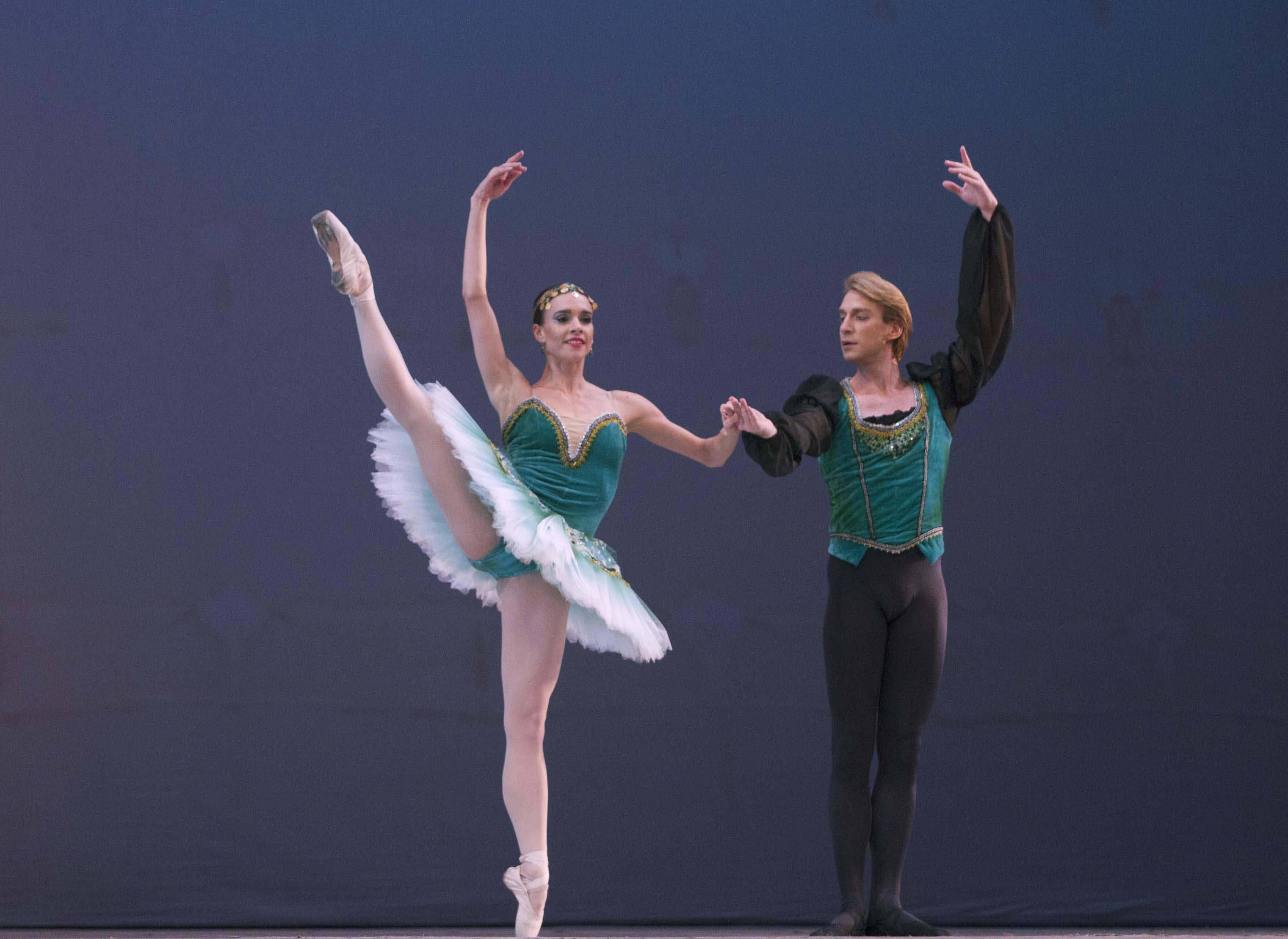 """Federico Fernández y Nadia Muzyca en """"La Esmeralda"""". Foto: Alicia Sanguinetti."""
