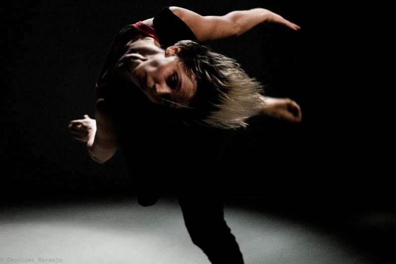 """""""Solos al baile"""", de Gabriela Prado, interpretada por Carla Di Grazia (en la foto). Foto: Gentileza Prensa Karina Nisinman."""