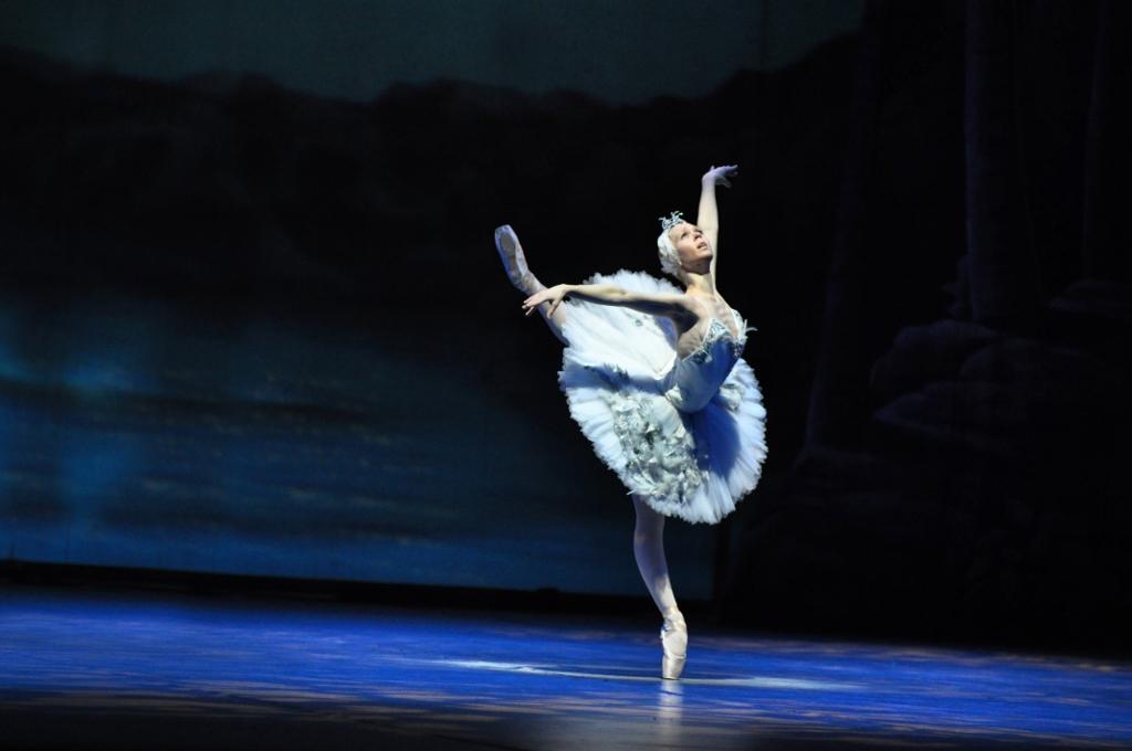 """Julieta Paul, en """"El Lago de los Cisnes"""". Foto: Gentileza Arte y Cultura."""