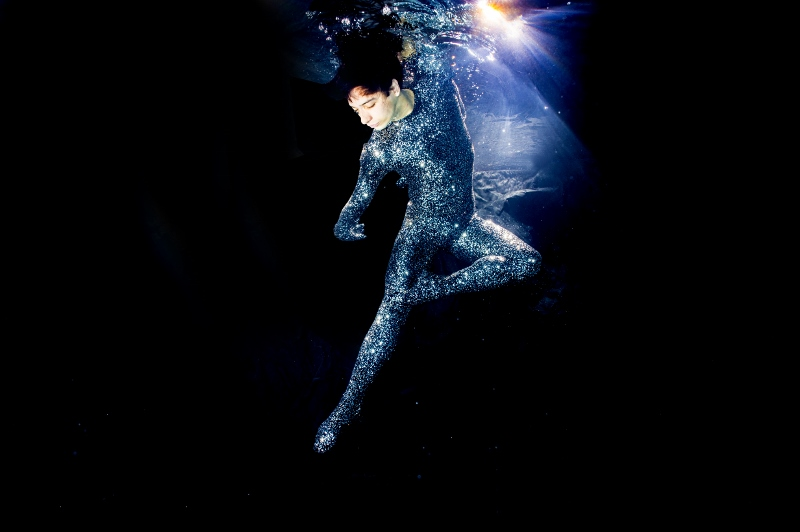 Piensa que es obligación de los bailarines entender la historia de la danza para poder avanzar. Foto: Robin Conway.