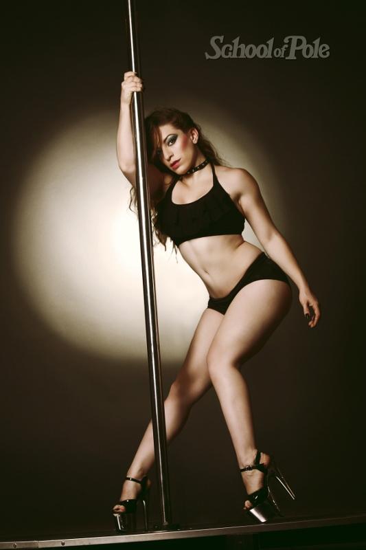 """Dolores Peirano fundó la enseñanza del Pole Dance en su estilo """"sexy"""" en Argentina. Foto: Gentileza School of Pole."""