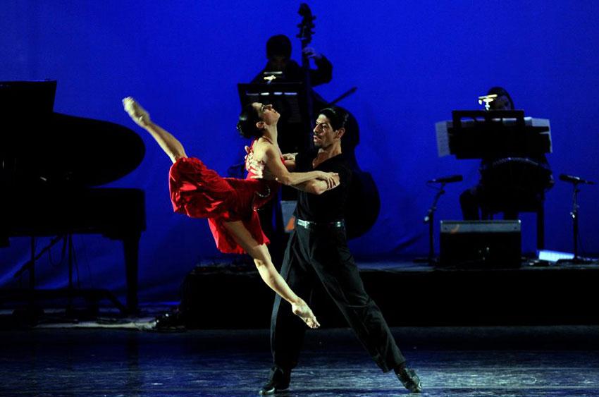 """Cecilia Figaredo, en """"Boulevard Tanto"""", su espectáculo. Foto: Gentileza."""