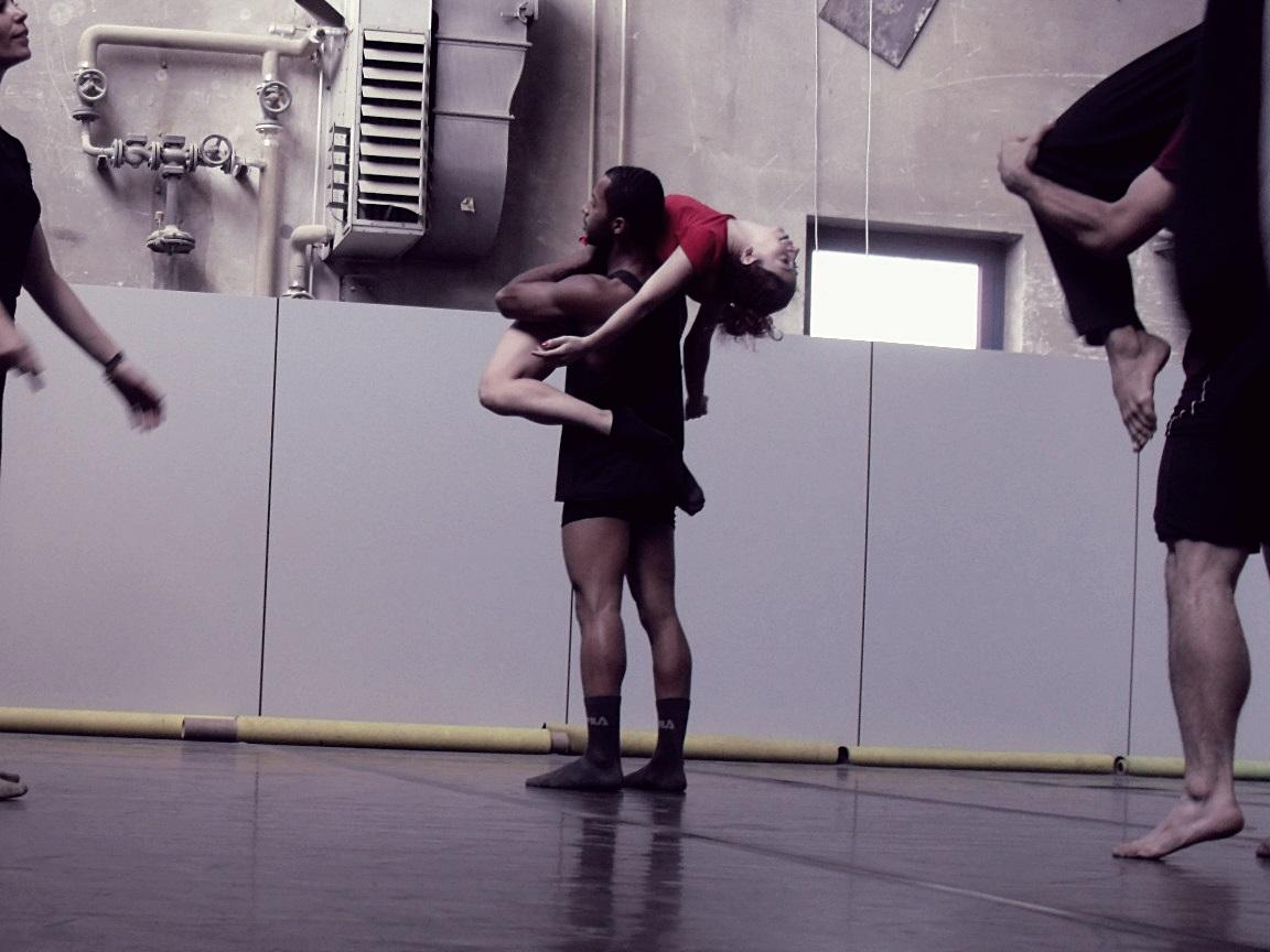 Romina Simone, la nueva invitada a los Encuentros de Danza Contemporánea de Cuarto Intermedio, busca indagar en la propia voz de cada alumno. Foto: Gentileza.