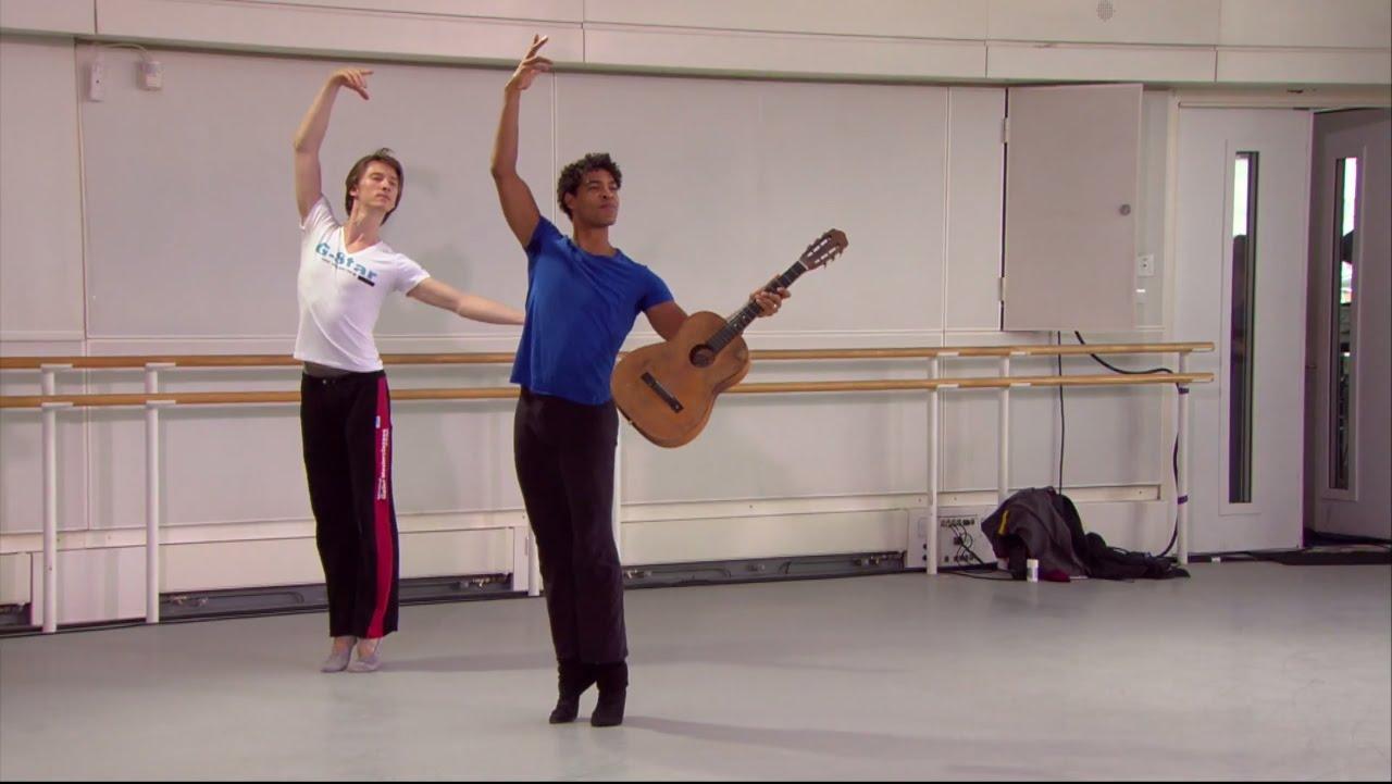 """Carlos Acosta, en """"Apollo"""", en el World Ballet Day estrenado en 2014."""