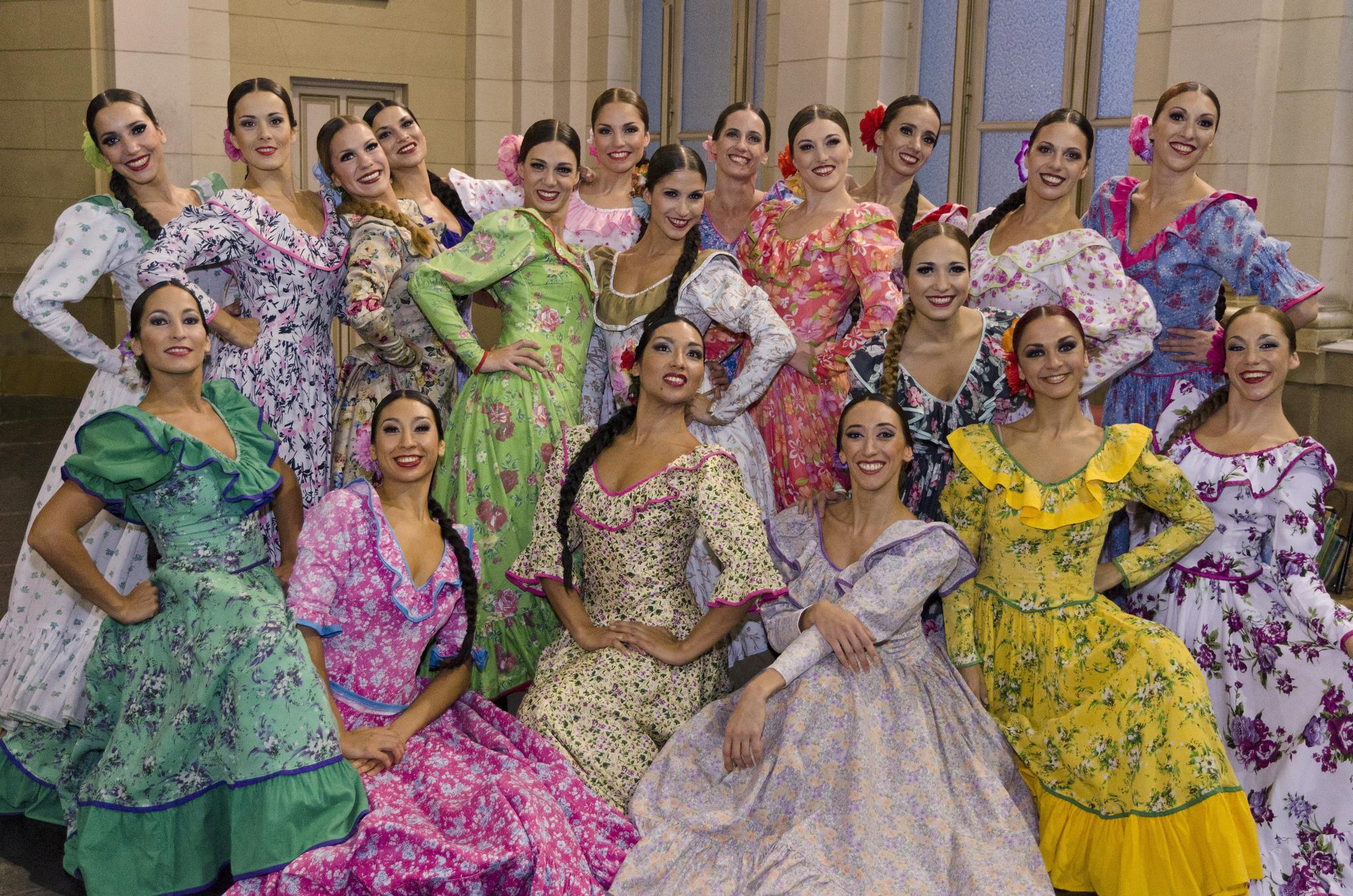 Las chicas del Ballet Folklórico Nacional. Foto: Ministerio de Cultura de la Nación.