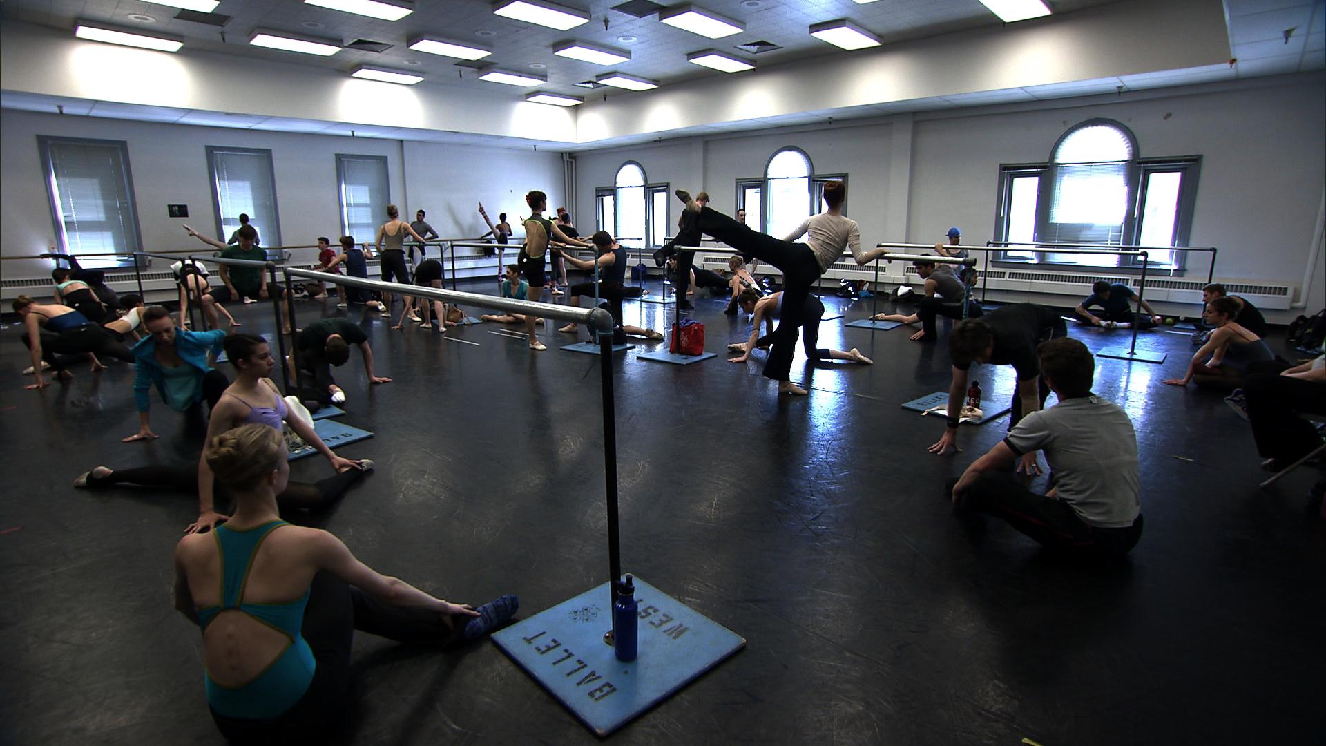"Ensayo de Ballet West en la serie ""Breaking Pointe"". Foto: Gentileza."
