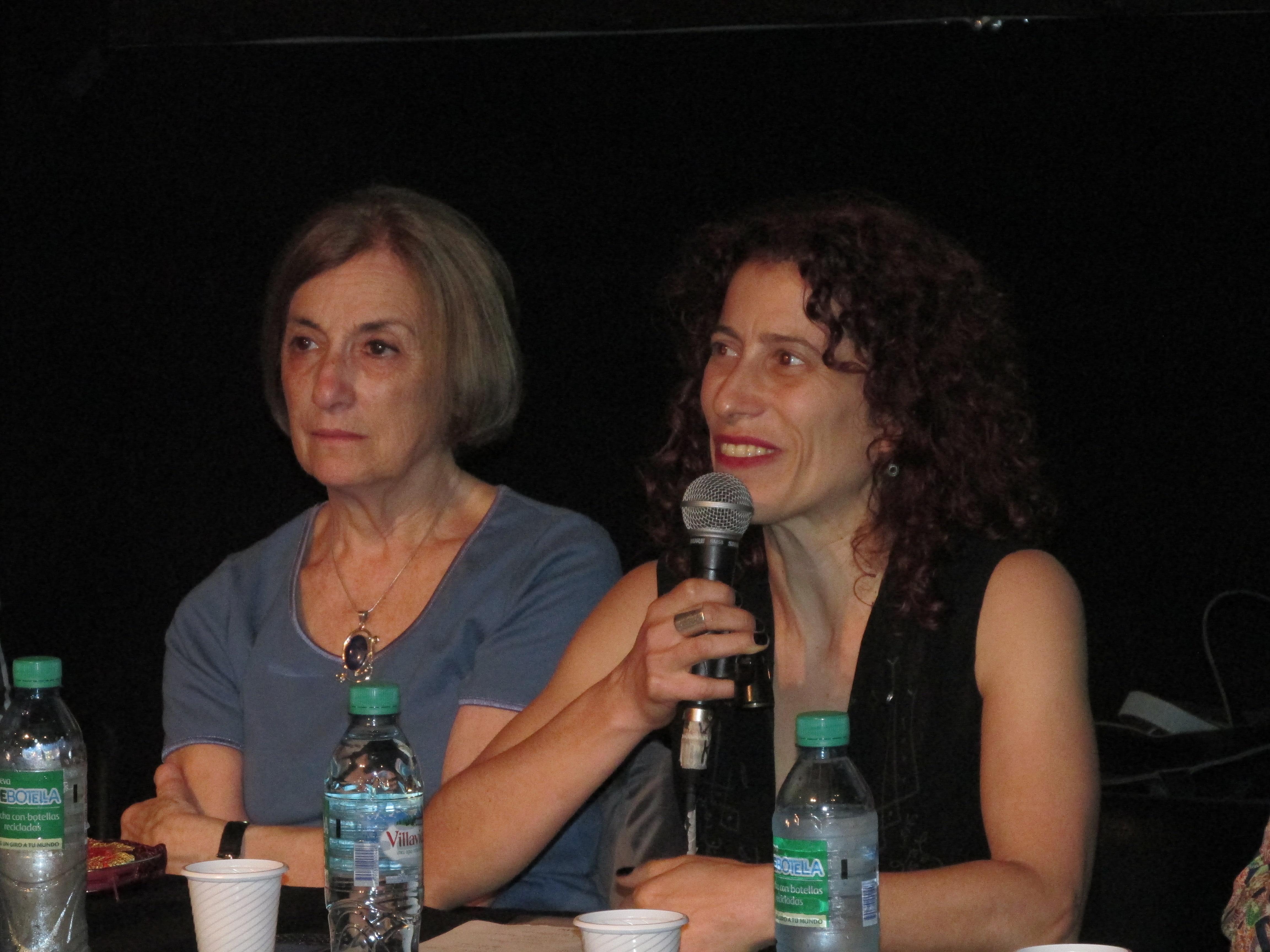 Valeria Kovadloff y Ana Kamien en la presentación de las herramientas. Foto: L. Chertkoff.