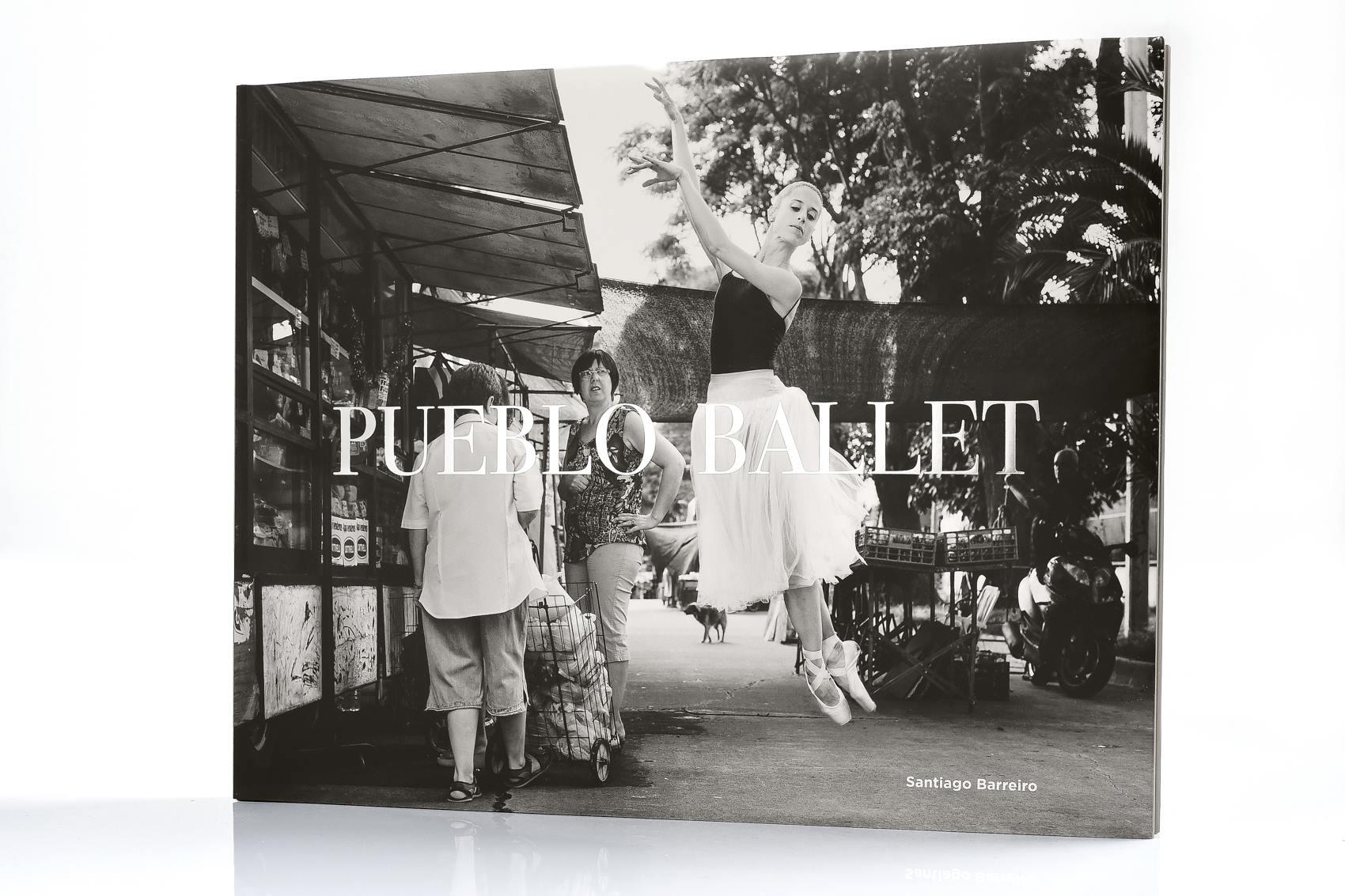 "Tapa de ""Pubelo Ballet"", libro de fotografías de ballet de Santiago Barreiro. Gentileza de SB."