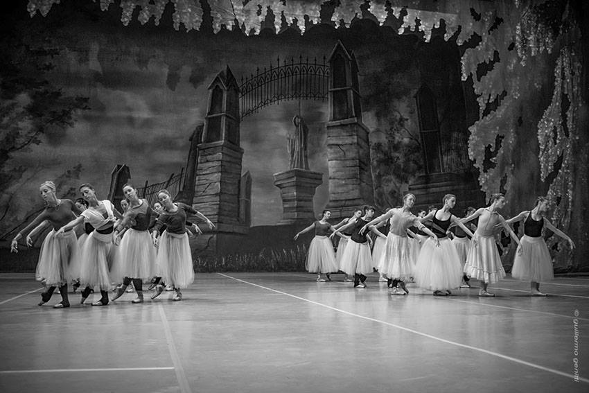 "La compañía estrena hoy ""Giselle"". Foto: Guillermo Genitti."