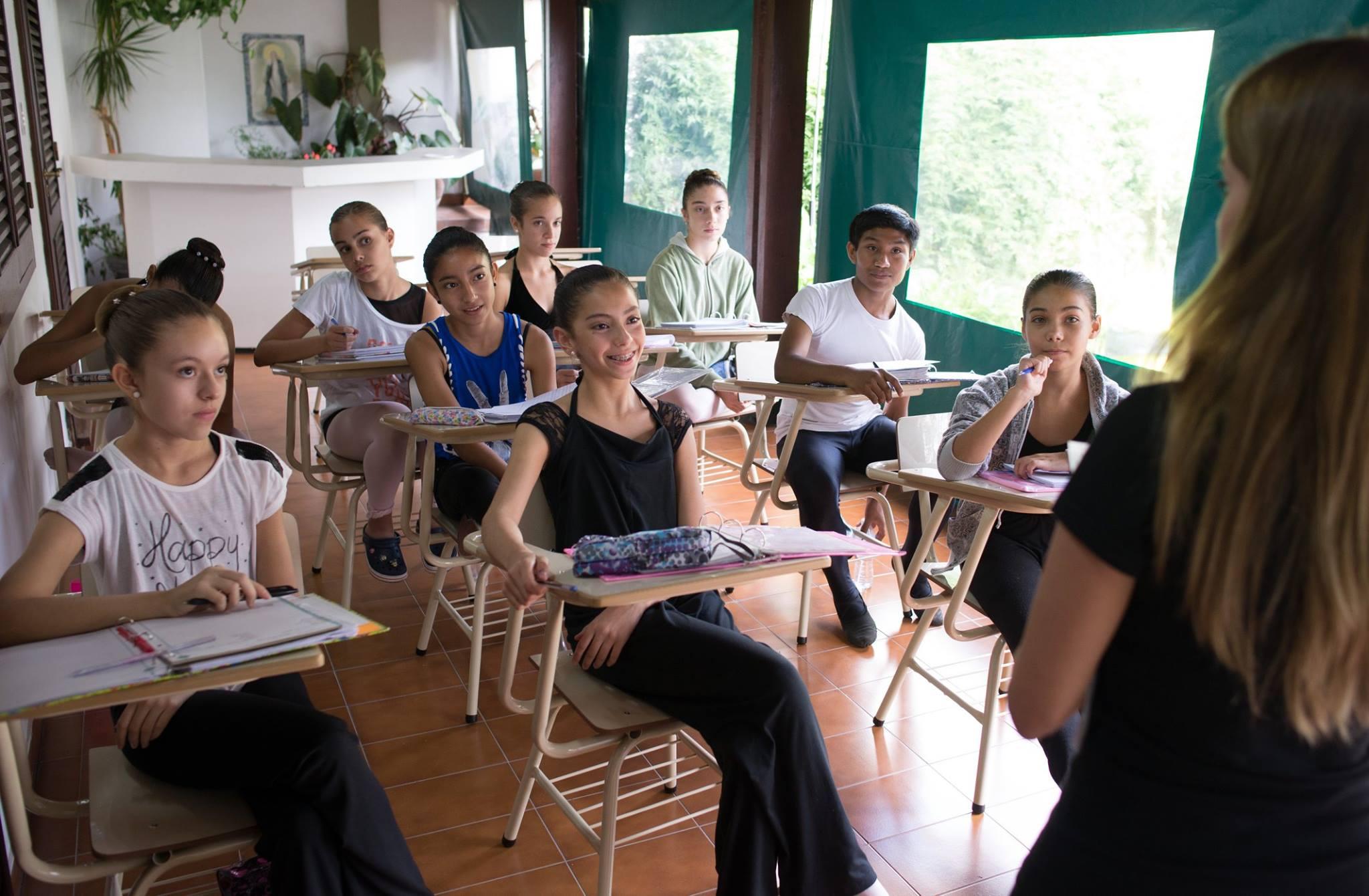 Clases teóricas y prácticas forman parte de una educación integral en la EOB de Salta. Foto: Gentileza.
